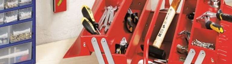 Niezbędnik majsterkowicza: co powinno znaleźć się w skrzynce z narzędziami?